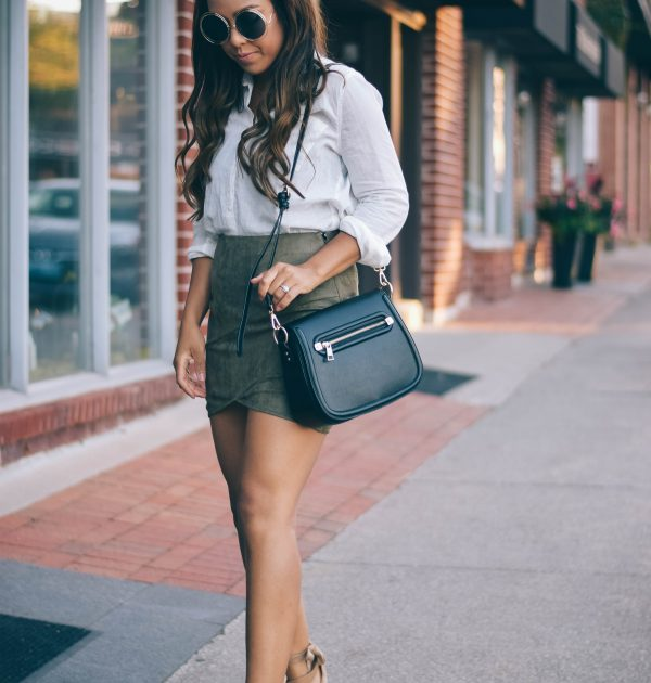 Fashion Blogger Lauren Sheriff from Basic Babe in Missguided Skirt and H&M Shirt