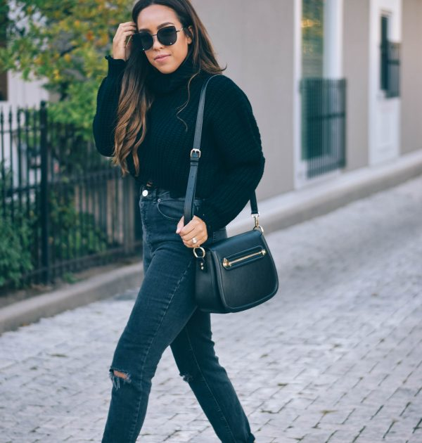 Fashion Blogger Lauren Sheriff of Basic Babe in Boohoo Sweater and ASOS Mom Jeans